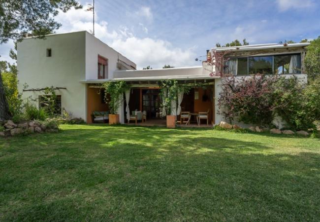 6 bedroom Villa in Santa Eulalia Del Rio, Sant Carles De Peralta, Ibiza, Ibiza : ref 2132935 - Image 1 - Santa Eulalia del Rio - rentals