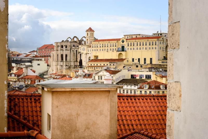 Casa Travessa - NEW photos! Adorable Rossio Home - Image 1 - Lisbon - rentals