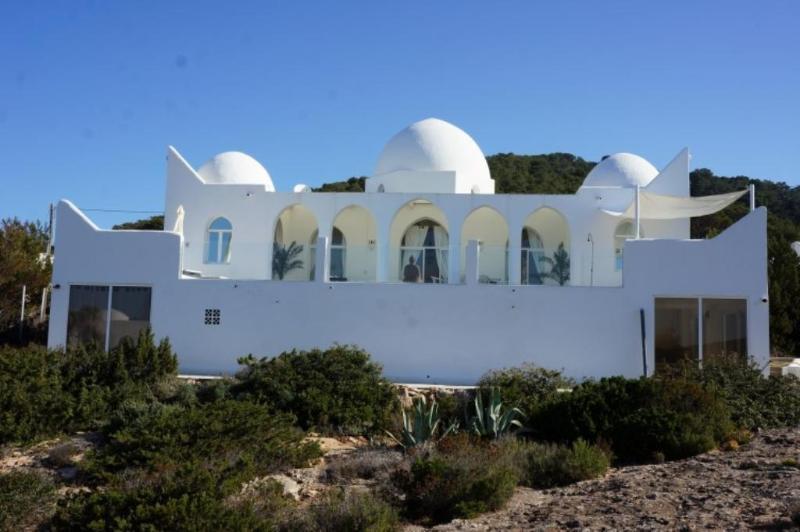 4 bedroom Villa in Cala Carbo, Islas Baleares, Ibiza : ref 2135601 - Image 1 - Cala Carbo - rentals