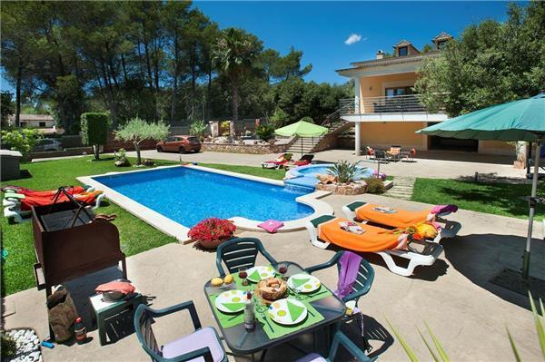 4 bedroom Villa in Pollenca, Mallorca : ref 2209730 - Image 1 - Sa Pobla - rentals