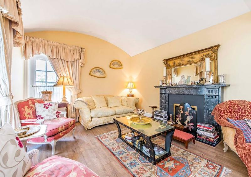 Belgravia  2 bed 2 bath House (1021) - Image 1 - London - rentals