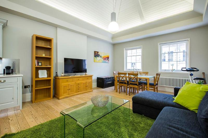 Covent Garden 2 Bedroom 1 Bathroom (4715) - Image 1 - London - rentals