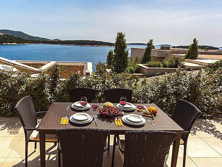 3 bedroom Villa in Primosten, Central Dalmatia, Croatia : ref 2216055 - Image 1 - Primosten - rentals