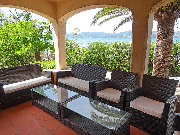 4 bedroom Villa in Saint Tropez, Cote d Azur, France : ref 2216225 - Image 1 - Saint-Tropez - rentals