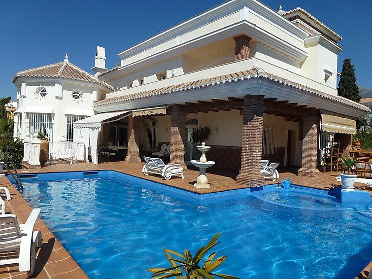 4 bedroom Villa in Nerja, Costa Del Sol, Spain : ref 2217277 - Image 1 - Nerja - rentals