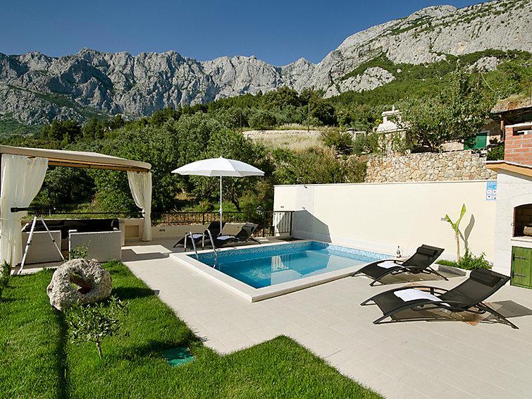 2 bedroom Villa in Makarska, Central Dalmatia, Croatia : ref 2217442 - Image 1 - Bratus - rentals