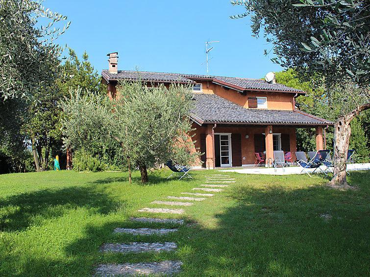 6 bedroom Villa in San Felice Del Benaco, Lake Garda, Italy : ref 2217693 - Image 1 - San Felice del Benaco - rentals