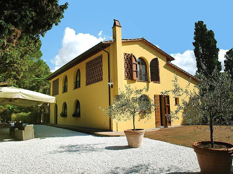 5 bedroom Villa in Montopoli in Valdarno, Lucca Pisa, Italy : ref 2218135 - Image 1 - Montopoli in Val d'Arno - rentals
