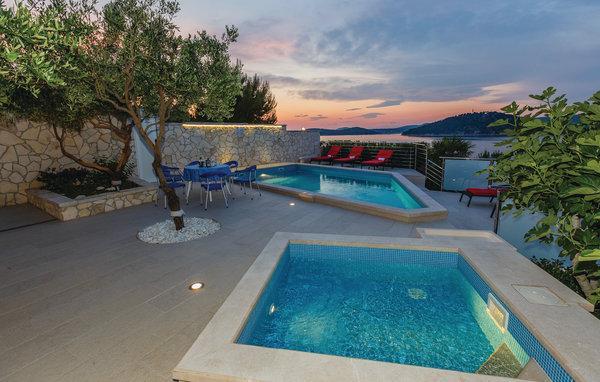 9 bedroom Villa in Rogoznica-Razanj, Rogoznica, Croatia : ref 2219936 - Image 1 - Razanj - rentals