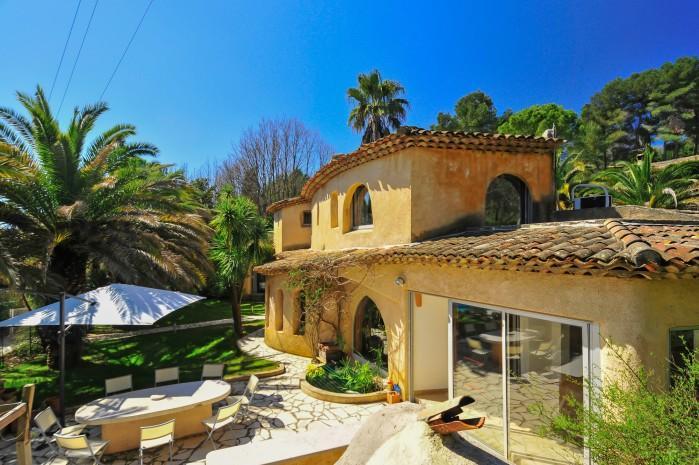 4 bedroom Villa in Valbonne, Cote D Azur, France : ref 2226395 - Image 1 - Valbonne - rentals