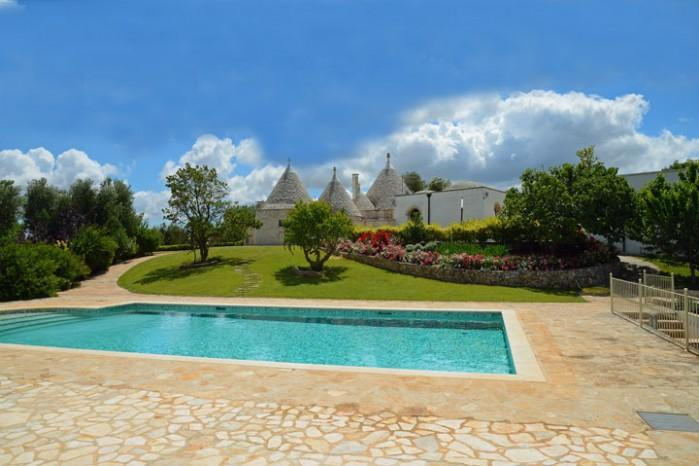 6 bedroom Villa in Ceglie Messapica, Puglia, Italy : ref 2226462 - Image 1 - Ceglie Messapico - rentals