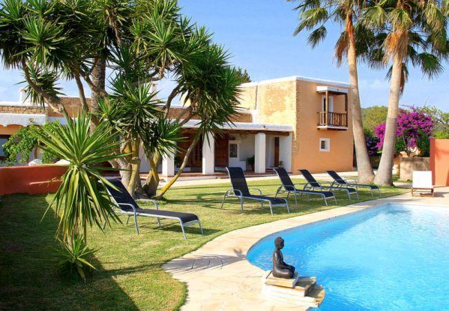 4 bedroom Villa in Sant Josep De Sa Talaia, Ibiza, Ibiza : ref 2226554 - Image 1 - Sant Josep De Sa Talaia - rentals