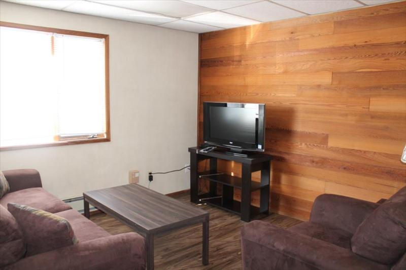 Living room - 321 Lincoln # 4 - Sitka - rentals