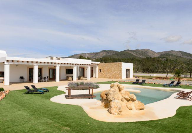 4 bedroom Villa in Sant Joan De Labritja, Ibiza, Ibiza : ref 2232900 - Image 1 - Sant Joan de Labritja - rentals