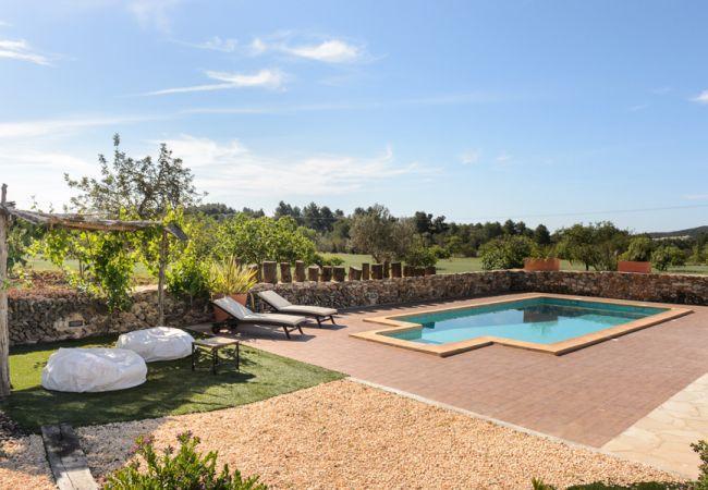 4 bedroom Villa in Sant Antoni De Portmany, Ibiza, Ibiza : ref 2232905 - Image 1 - Sant Antoni de Portmany - rentals