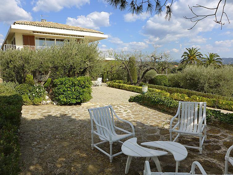 4 bedroom Villa in La Ciotat, Cote d Azur, France : ref 2235096 - Image 1 - La Ciotat - rentals