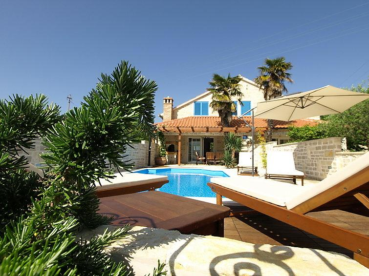 3 bedroom Villa in Ugljan Preko, North Dalmatia Islands, Croatia : ref 2235428 - Image 1 - Sutomiscica - rentals