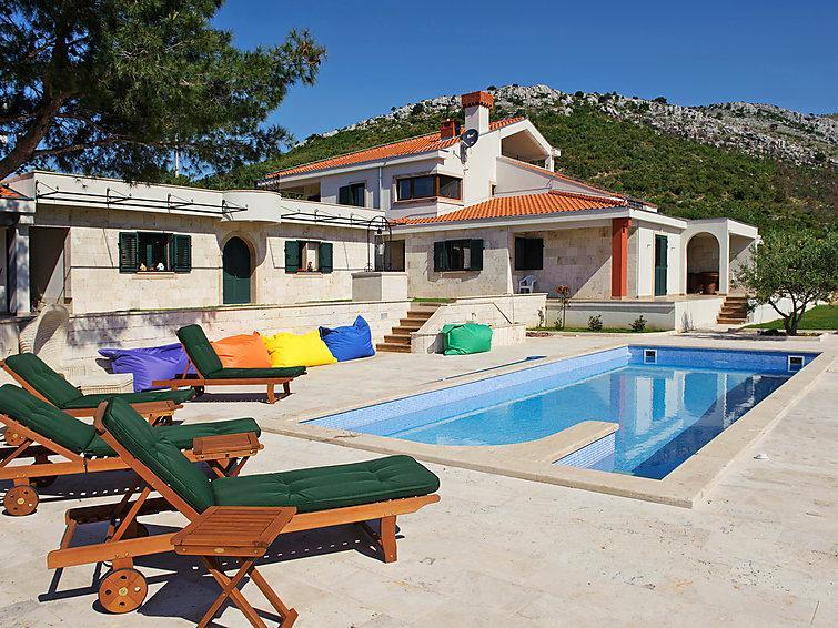4 bedroom Villa in Trogir, Central Dalmatia, Croatia : ref 2237014 - Image 1 - Gornji Seget - rentals