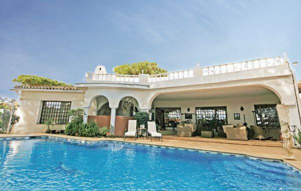 6 bedroom Villa in Estepona, Costa Del Sol, Spain : ref 2239553 - Image 1 - Costa del Sol - rentals