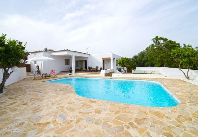 3 bedroom Villa in Santa Eulalia Del Rio, Sant Carles De Peralta, Ibiza, Ibiza : ref 2239984 - Image 1 - Santa Eulalia del Rio - rentals