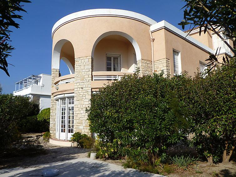 7 bedroom Villa in Saint Cyr Les Lecques, Cote d'Azur, France : ref 2242751 - Image 1 - Les Lecques - rentals