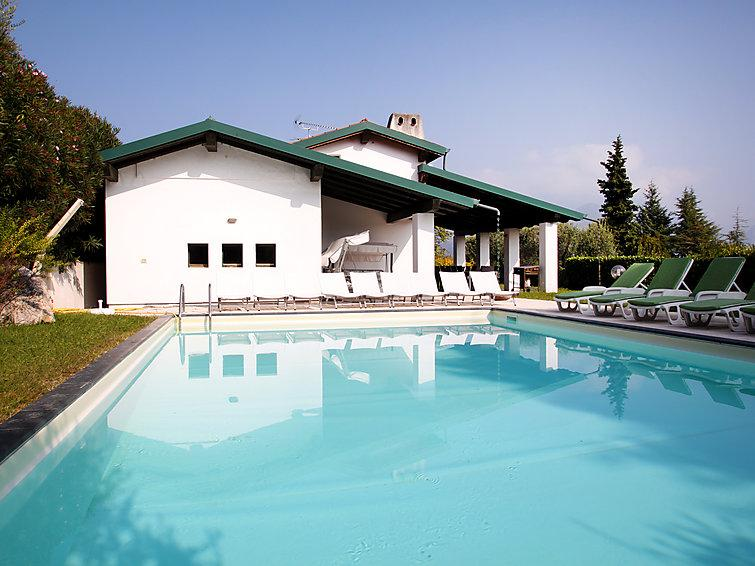 5 bedroom Villa in San Felice del Benaco, Lake Garda, Italy : ref 2243080 - Image 1 - San Felice del Benaco - rentals
