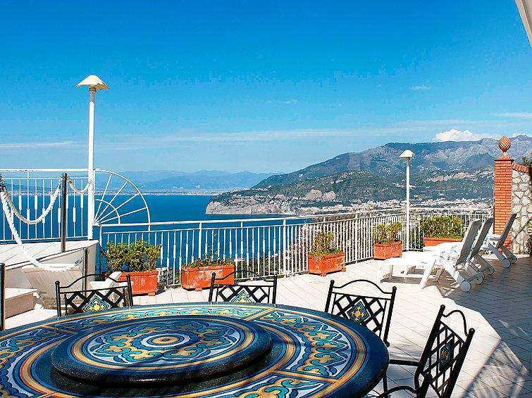 4 bedroom Apartment in Sorrento, Naples & Sorrentino Peninsula, Italy : ref - Image 1 - Priora - rentals