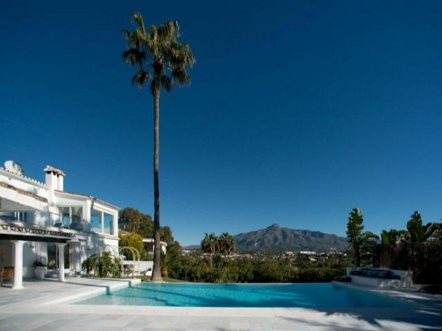 5 bedroom Villa in Golf Valley, Nueva Andalucia, Spain : ref 2245799 - Image 1 - Nueva Andalucia - rentals