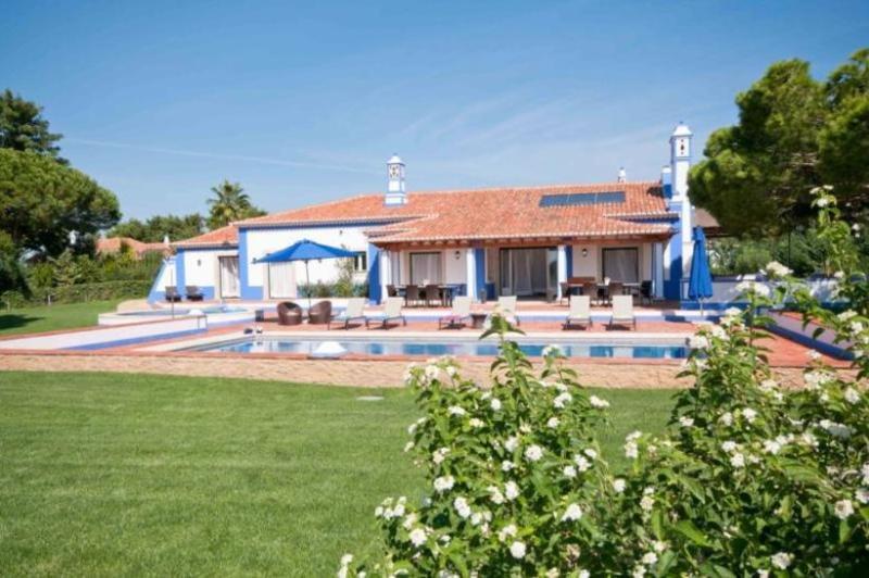6 bedroom Villa in Albufeira, Algarve, Portugal : ref 2249173 - Image 1 - Olhos de Agua - rentals