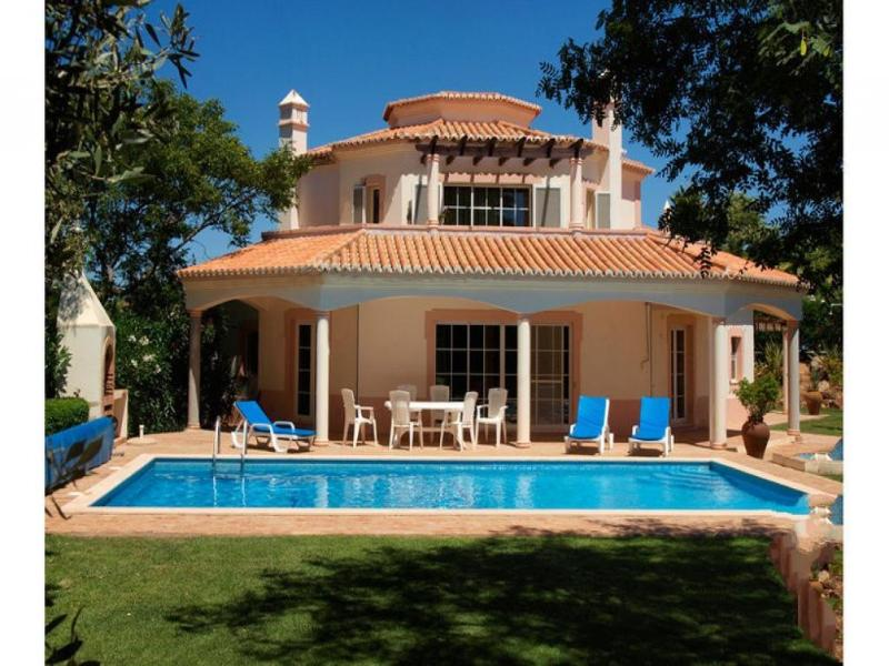 4 bedroom Villa in Carvoeiro, Algarve, Portugal : ref 2249208 - Image 1 - Estombar - rentals