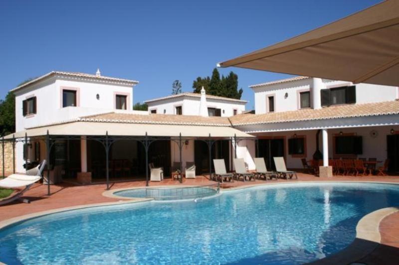 7 bedroom Villa in Carvoeiro, Algarve, Portugal : ref 2249199 - Image 1 - Carvoeiro - rentals