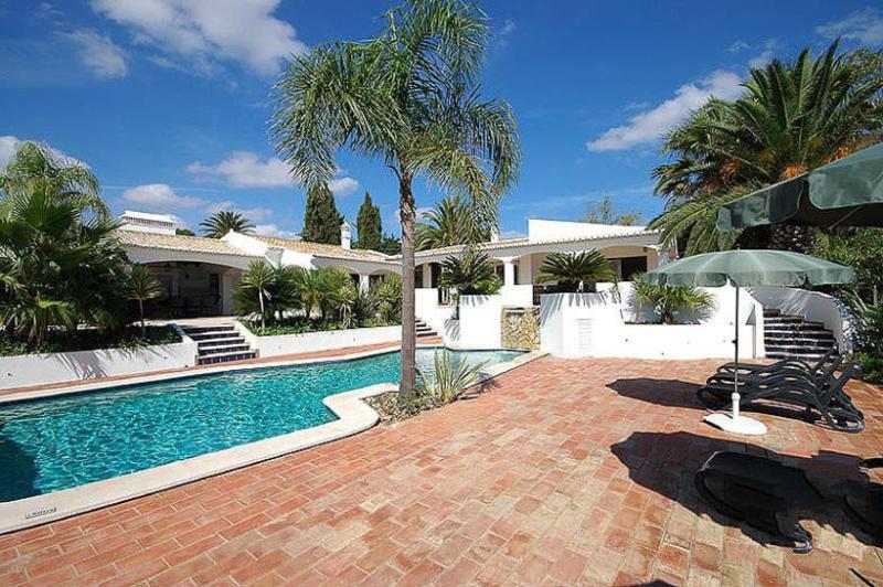 7 bedroom Villa in Lagos, Algarve, Portugal : ref 2249217 - Image 1 - Lagos - rentals