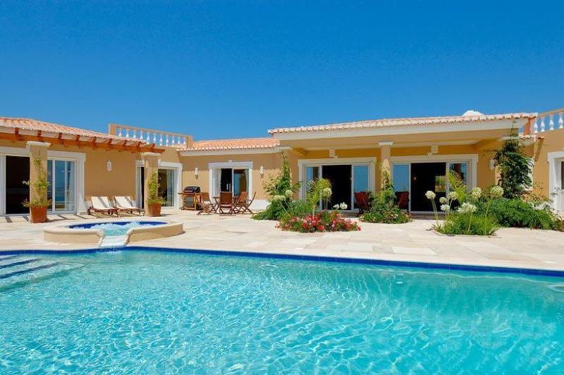 5 bedroom Villa in Praia da Luz, Algarve, Portugal : ref 2249234 - Image 1 - Luz - rentals