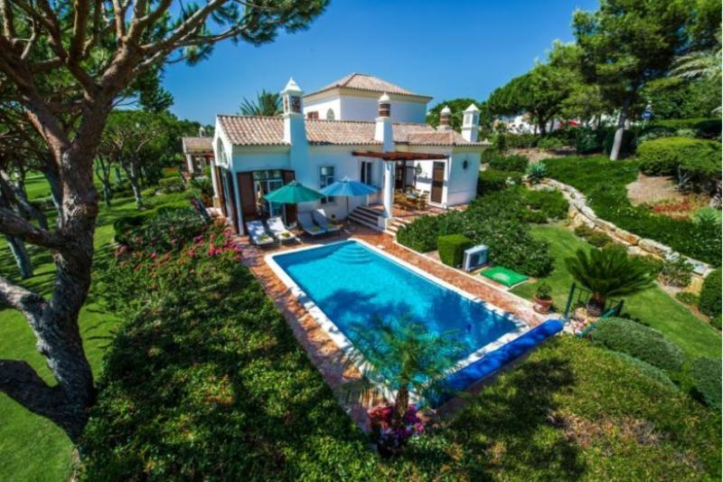 4 bedroom Villa in Quinta do Lago, Algarve, Portugal : ref 2249247 - Image 1 - Quinta do Lago - rentals