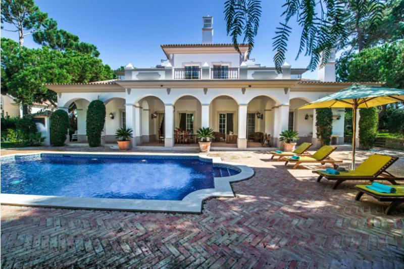 4 bedroom Villa in Quinta do Lago, Algarve, Portugal : ref 2249250 - Image 1 - Quinta do Lago - rentals