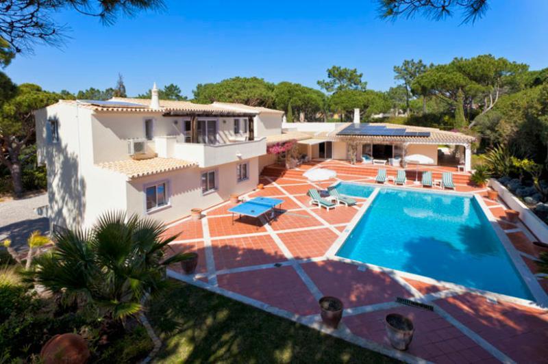 5 bedroom Villa in Quinta do Lago, Algarve, Portugal : ref 2249253 - Image 1 - Vale do Garrao - rentals