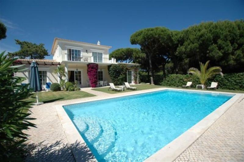 3 bedroom Villa in Quinta do Lago, Algarve, Portugal : ref 2249256 - Image 1 - Vale do Garrao - rentals