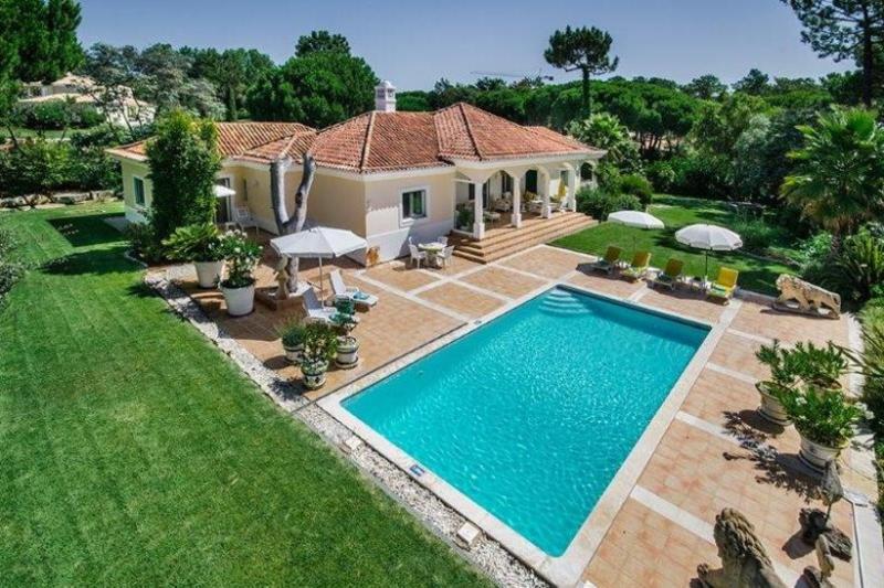 3 bedroom Villa in Quinta do Lago, Algarve, Portugal : ref 2249255 - Image 1 - Quinta do Lago - rentals
