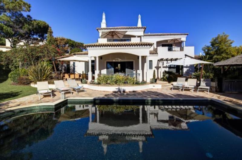 4 bedroom Villa in Quinta Do Lago, Algarve, Portugal : ref 2249257 - Image 1 - Vale do Garrao - rentals