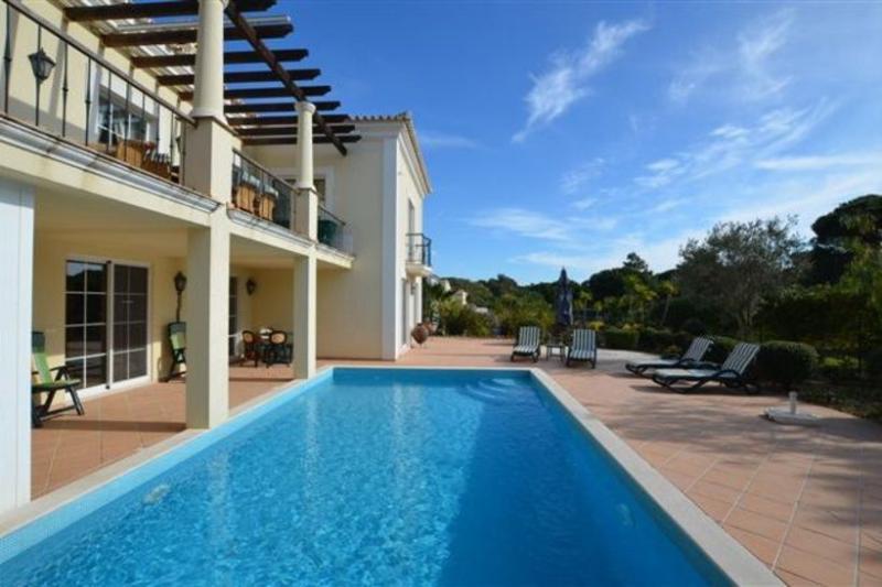 4 bedroom Villa in Quinta do Lago, Algarve, Portugal : ref 2249258 - Image 1 - Quinta do Lago - rentals