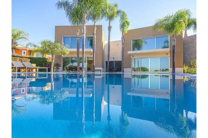 6 bedroom Villa in Vilamoura, Algarve, Portugal : ref 2249274 - Image 1 - Vilamoura - rentals