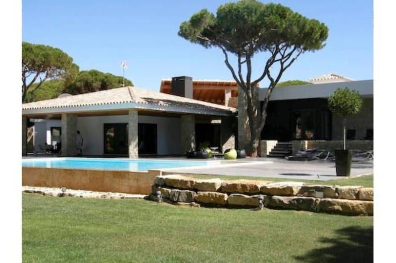 9 bedroom Villa in Vilamoura, Algarve, Portugal : ref 2249276 - Image 1 - Vilamoura - rentals