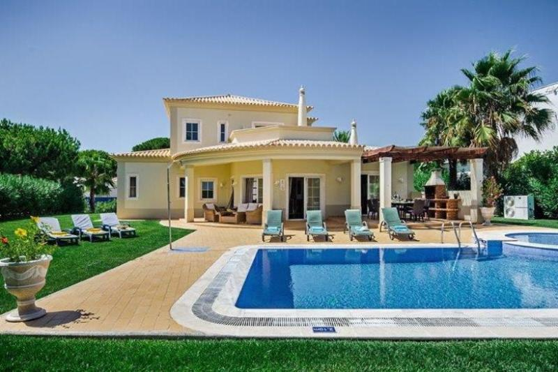 4 bedroom Villa in Vilamoura, Algarve, Portugal : ref 2249281 - Image 1 - Vilamoura - rentals