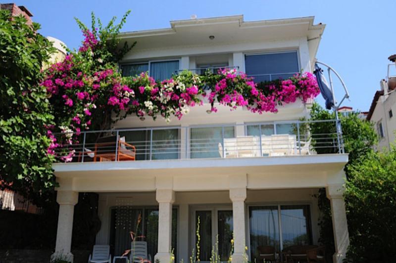 5 bedroom Villa in Fethiye, Agean Coast, Turkey : ref 2249307 - Image 1 - Fethiye - rentals