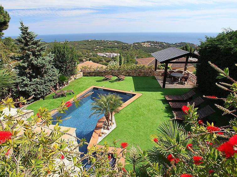 4 bedroom Villa in Lloret de Mar, Costa Brava, Spain : ref 2250381 - Image 1 - Lloret de Mar - rentals