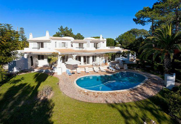 5 bedroom Villa in Quinta Do Lago, Algarve, Portugal : ref 2252128 - Image 1 - Vale do Garrao - rentals
