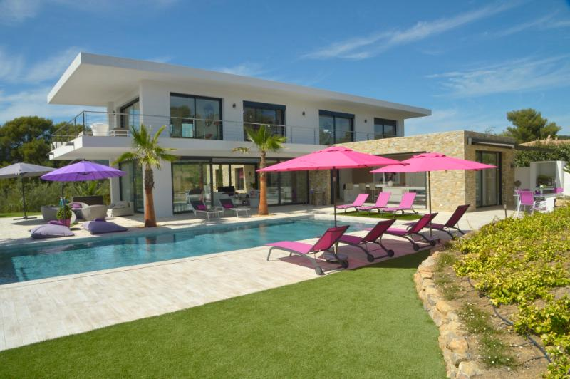 4 bedroom Villa in Grimaud, Cote d'Azur, France : ref 2255455 - Image 1 - Grimaud - rentals