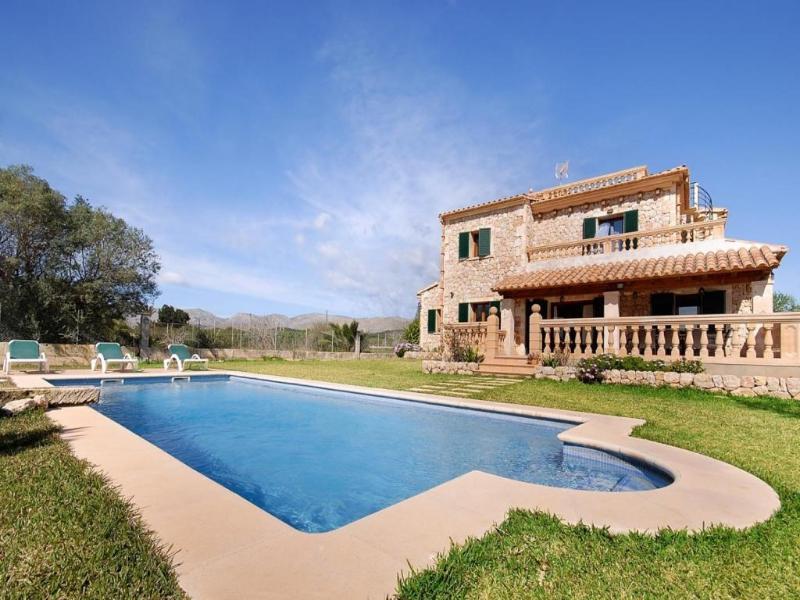 4 bedroom Villa in Puerto Pollenca, Mallorca, Mallorca : ref 2255620 - Image 1 - Port de Pollenca - rentals