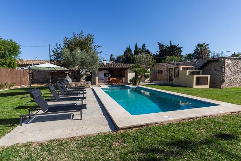 3 bedroom Villa in Pollença, Mallorca, Mallorca : ref 2259437 - Image 1 - Pollenca - rentals