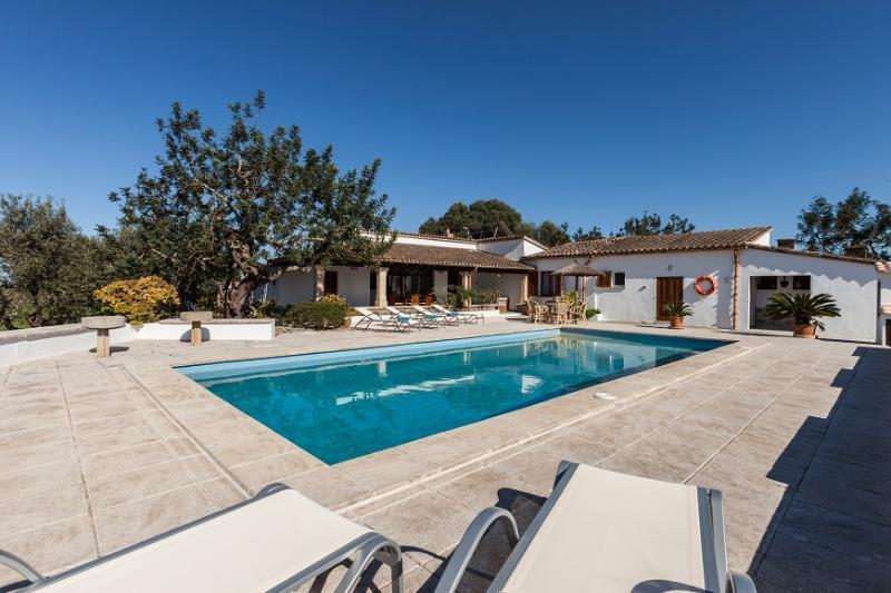 3 bedroom Villa in Pollença, Mallorca, Mallorca : ref 2259440 - Image 1 - Pollenca - rentals